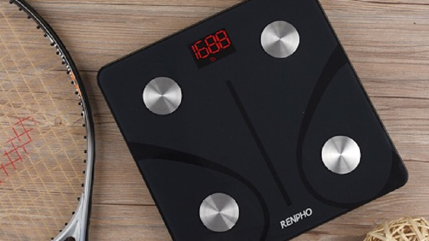 A close up of the renpho bathroom scale.