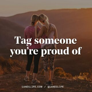 Let's start the week off on a positive note 🙌 Tag someone you're proud of in the comments ⬇️🖤. #proudofyou #1and1fam #1and1way